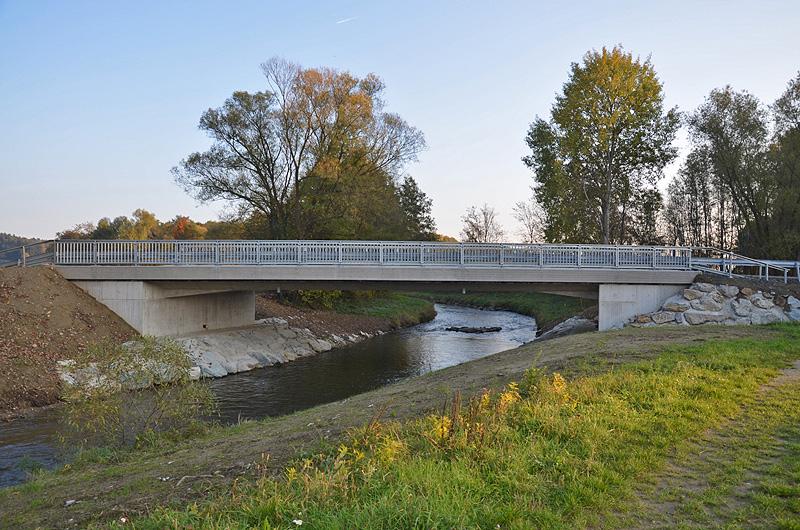 Die Brücke über den ehemaligen Grenzfluss erstrahlt in neuem Glanz